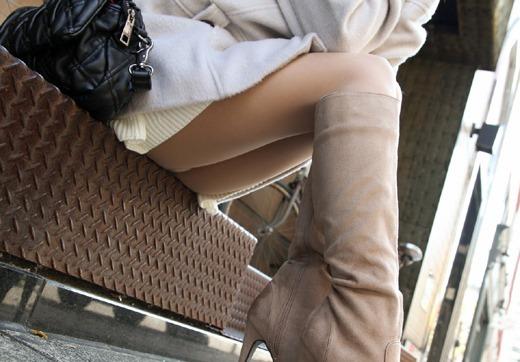 ビッチOL達による美脚ブーツと誘惑パンチラのコラボエロ画像8枚目