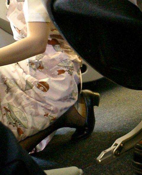ビッチCAが枕営業でパンスト顔面騎乗位するアフターエロ画像11枚目