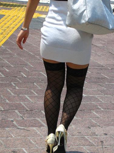 前かがみでパンパンになるOLタイトスカート画像15枚目