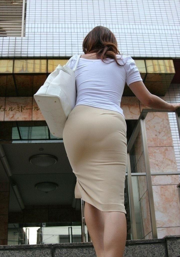 OLタイトスカートと同時に美脚や巨尻を楽しむ画像6枚目