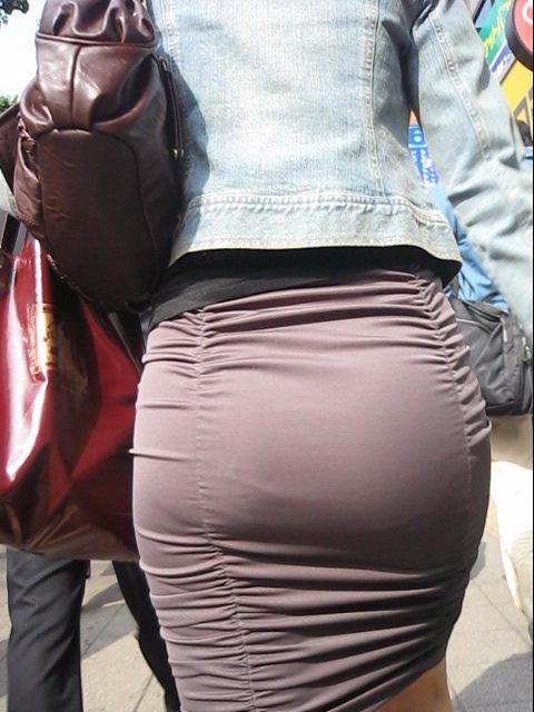 OLタイトスカートと同時に美脚や巨尻を楽しむ画像7枚目
