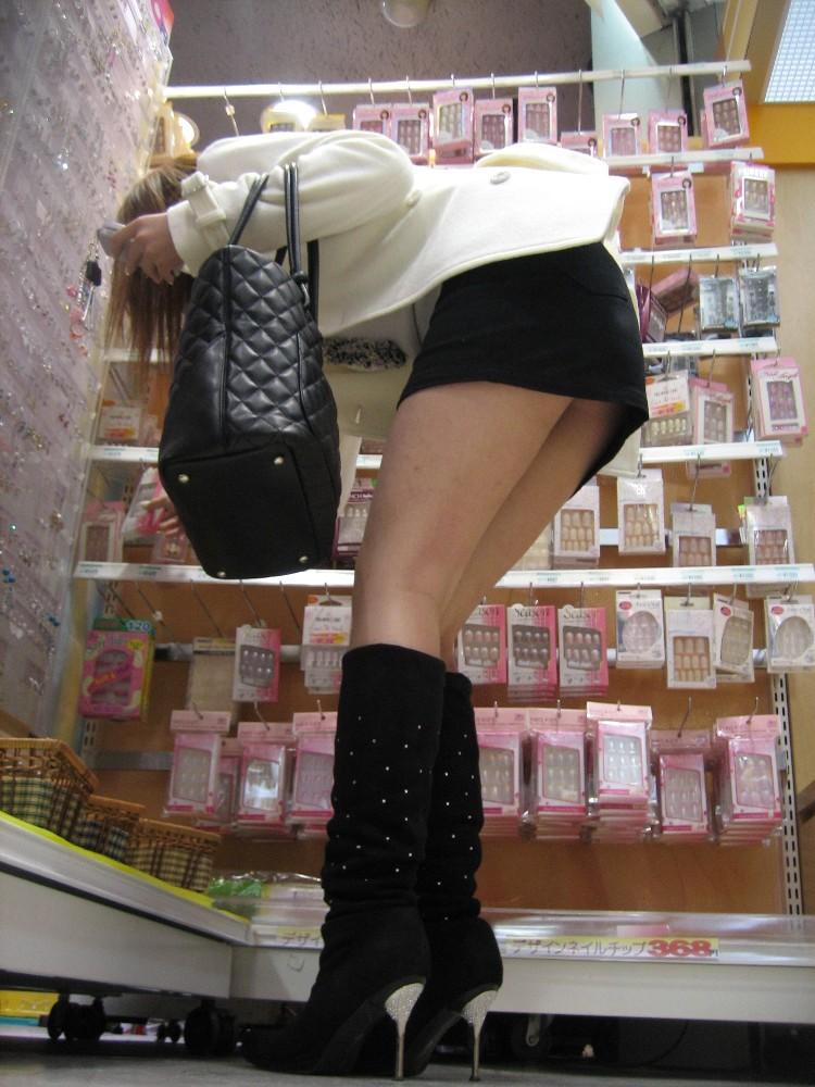 OLタイトスカートと同時に美脚や巨尻を楽しむ画像13枚目