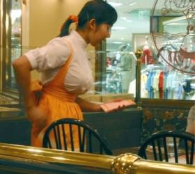 マクドナルドの店員さんタイトスカート盗撮エロ画像4枚目
