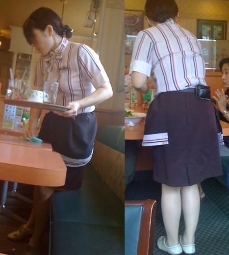 可愛い店員達のファミレスやファーストフードの制服エロ画像7枚目