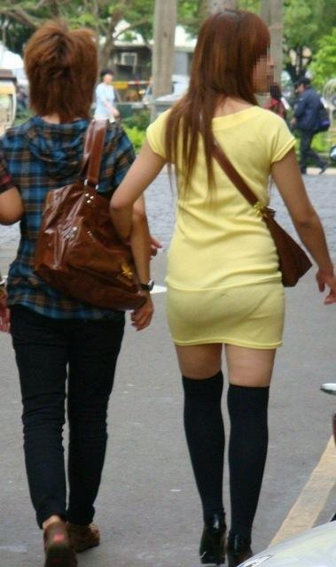 透けタイトスカートOLパンティ盗撮エロ画像9枚目