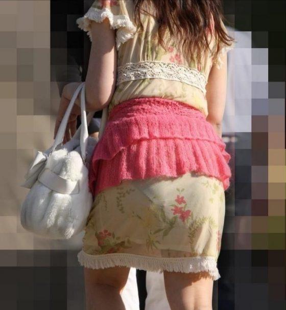 透けタイトスカートOLパンティ盗撮エロ画像11枚目