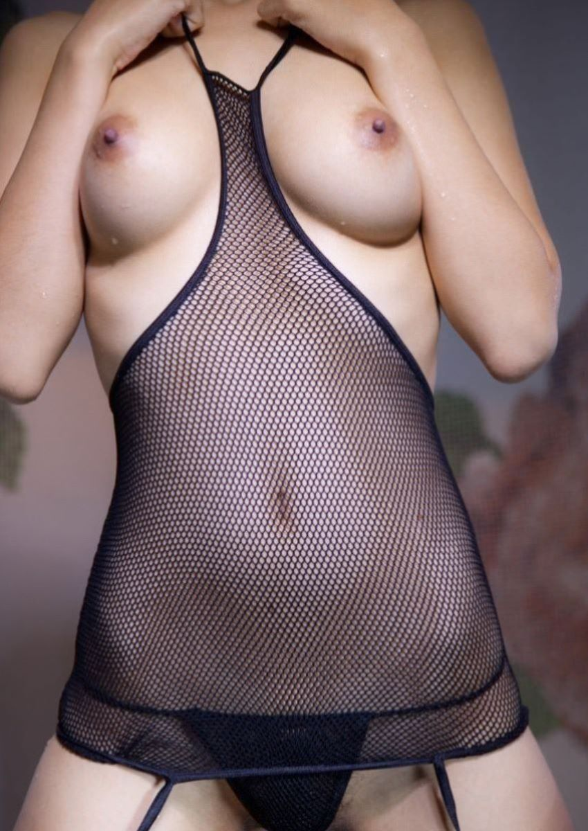 DカップスレンダーOLのセクシーランジェリー画像6枚目
