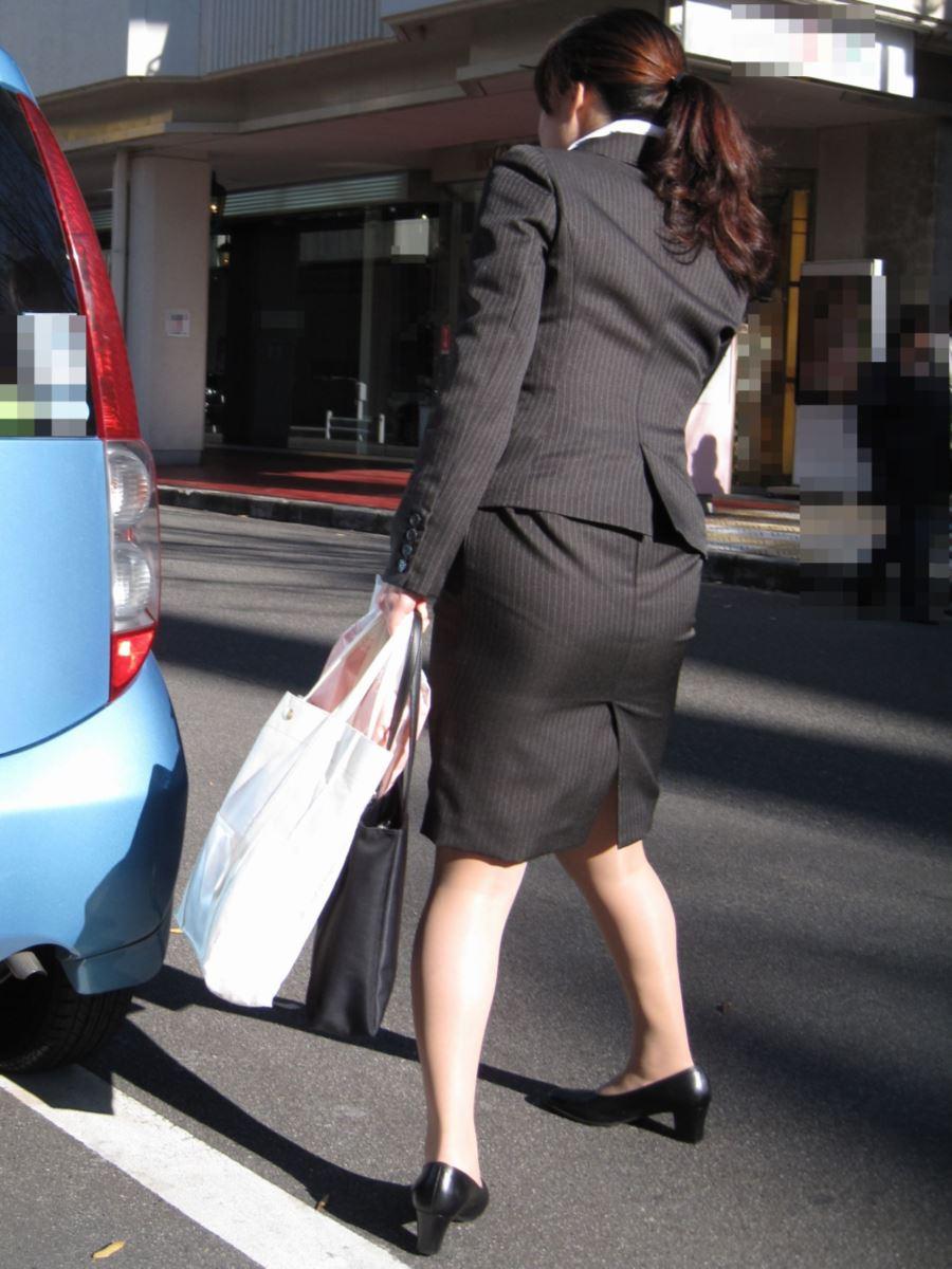 タイトスカートはいた女性の尻画像 [無断転載禁止]©bbspink.com->画像>276枚