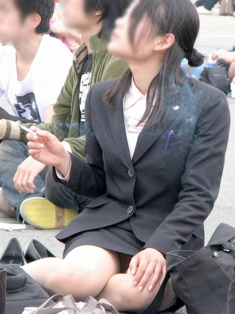 OLのタイトスカート三角というエロアングル画像8枚目