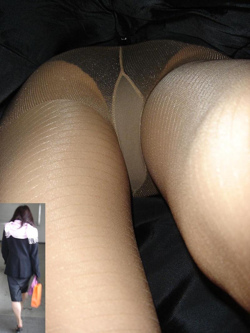 靴カメで逆さ盗撮されたOLタイトスカートエロ画像13枚目