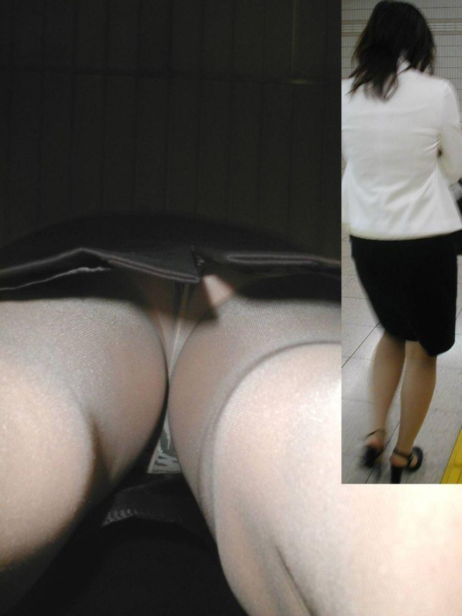 街角を歩くOLのタイトスカート逆さパンチラ画像3枚目