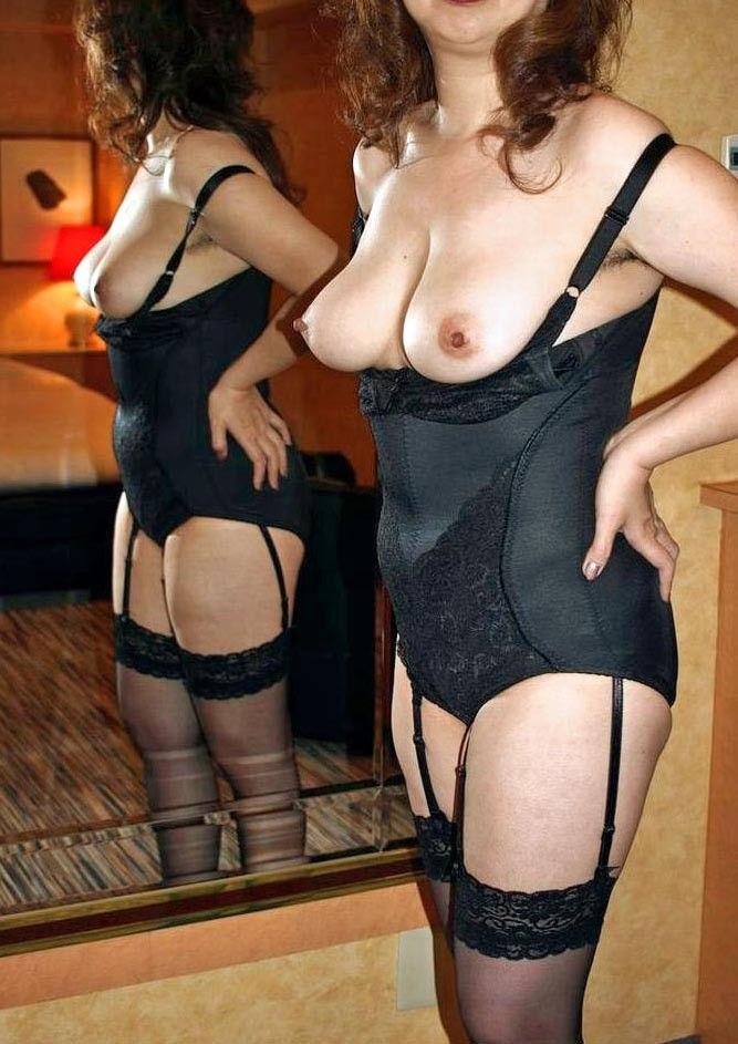 豊満で熟れた体の熟女OLとラブホで不倫エロ画像6枚目