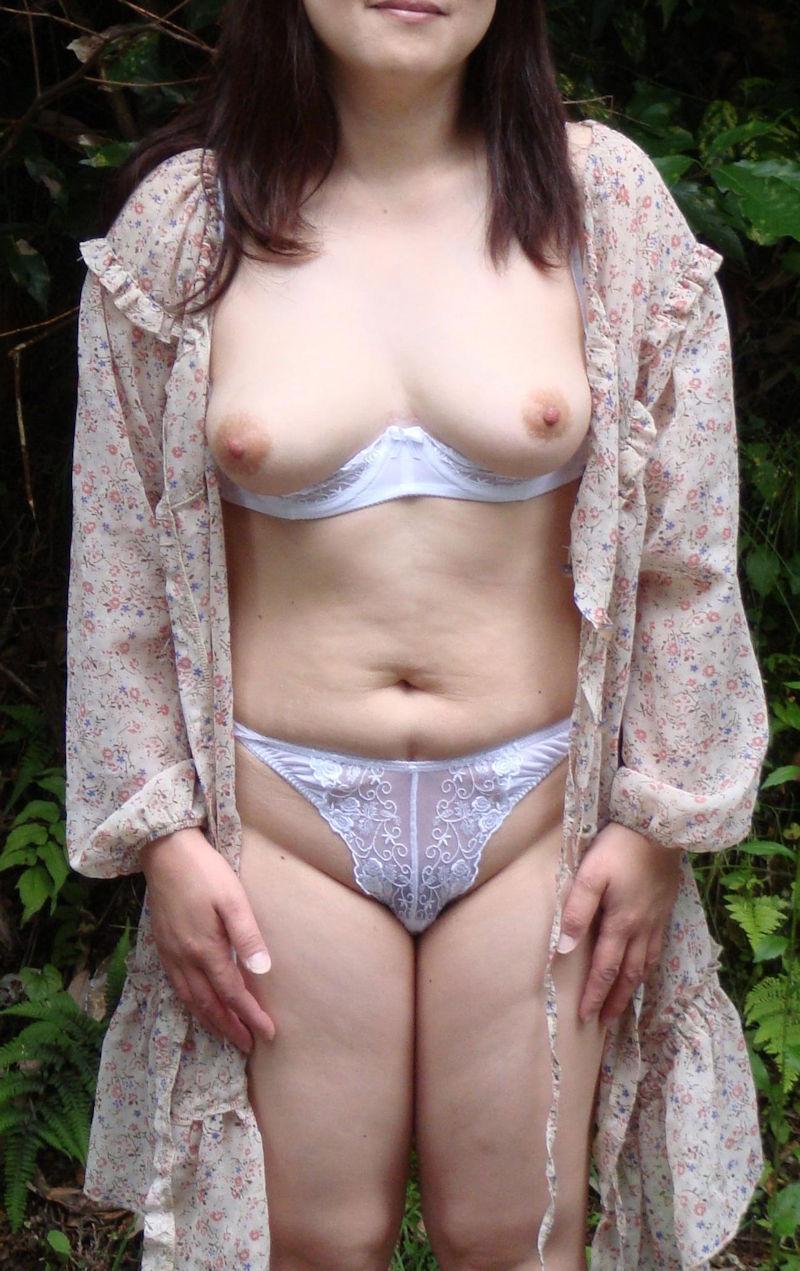 豊満で熟れた体の熟女OLとラブホで不倫エロ画像10枚目
