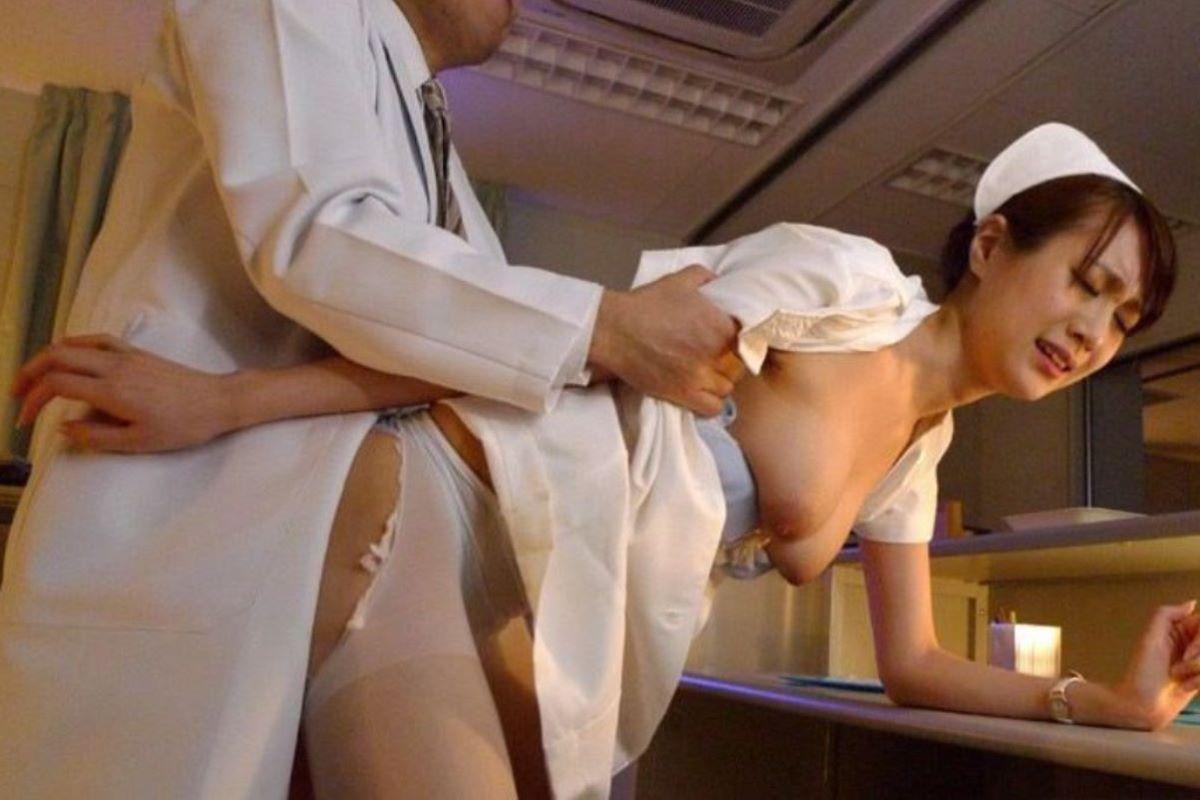 欲求不満ナースの欲望まみれの白衣セックスエロ画像8枚目