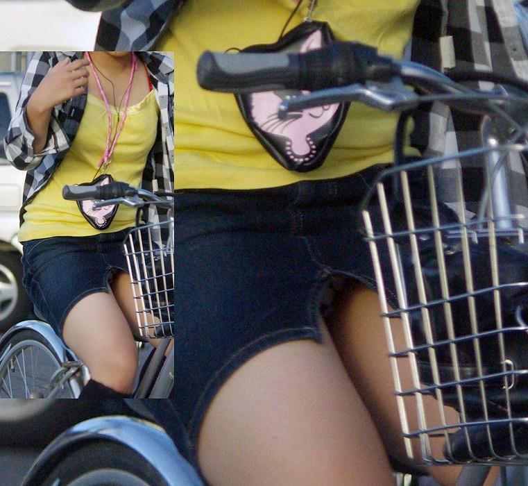 私服通勤中のOL自転車の三角パンチラ盗撮エロ画像11枚目