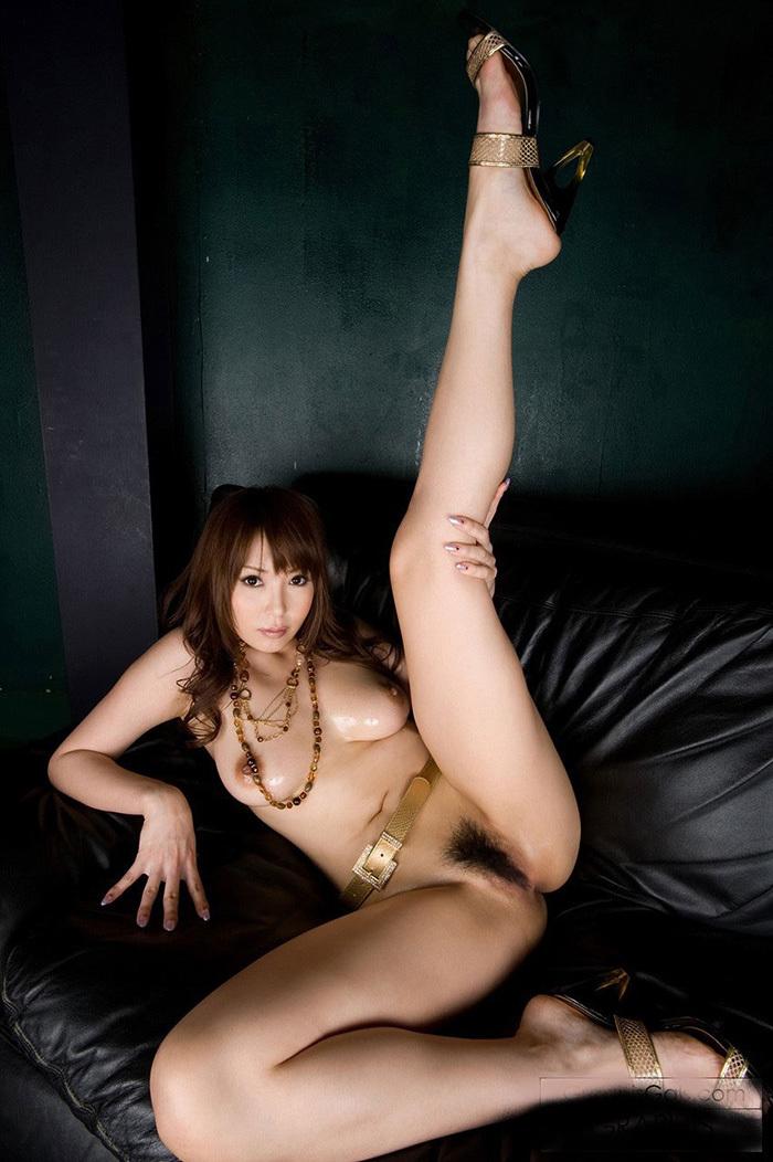 踏む為。蹴る為にあるOLの美脚ハイヒールエロ画像15枚目