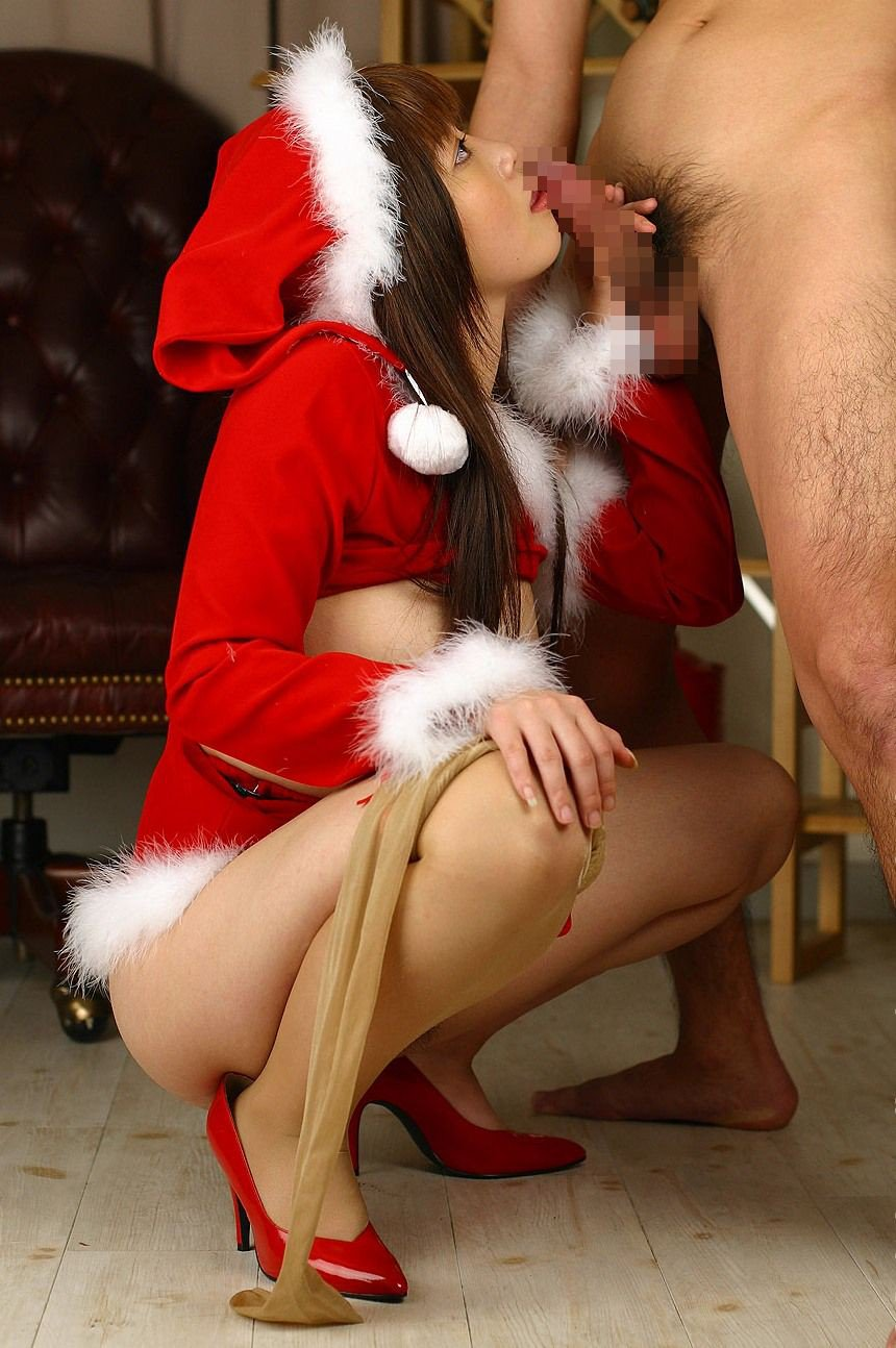 クリスマスはセクシーサンタでフェラする新米OLエロ画像8枚目